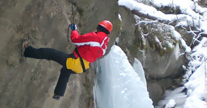 Winter Canyoning Tour in Bayern